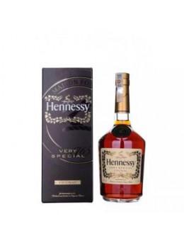 Hennessy V.S. кутия 0.7L+...